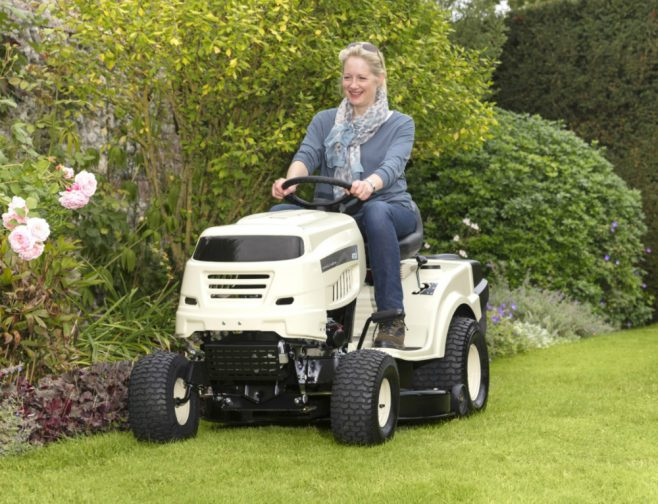 MTD Dirfect Collect Lawn Tractor